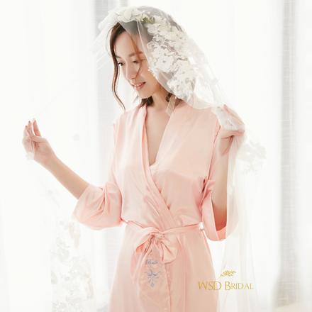 欧式纯色字母定制婚礼晨袍