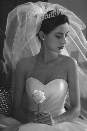 《香港卓美》——复古黑白风婚纱照