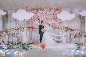 【花堂喜事】——Love light halo婚礼鲜花布置