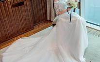 新娘婚纱礼服 冬季新款长拖尾一字肩中袖韩版显瘦修身公主