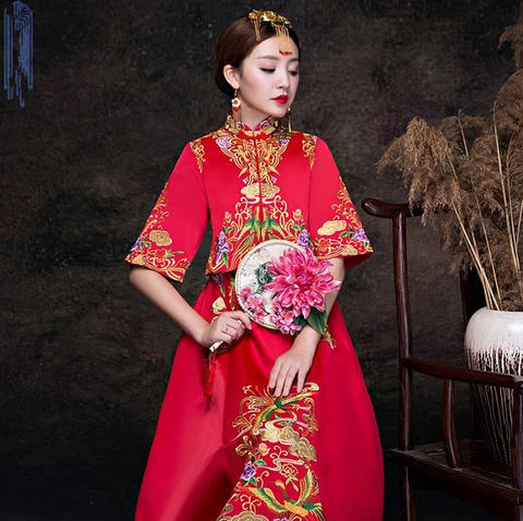 秀禾服新娘2017新款中式婚纱凤冠霞帔结婚红色古装新娘嫁衣敬图片