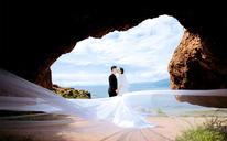 【时尚婚纱照】你的爱是把大大的伞,给我最美的晴空。