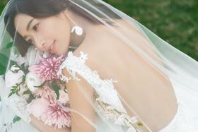 【进部旅拍】唯美清新草地主题婚纱摄影套系