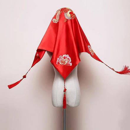 中式古典凤凰花开红盖头