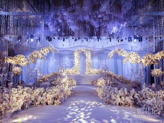 设计制作精美来宾入座台型席位图 宴会厅主门帷幔布艺门穿装饰(含鲜花