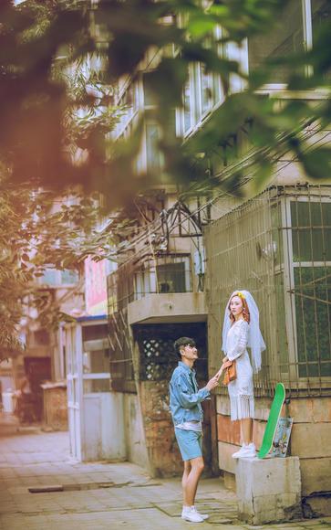 【济南唯恋高端婚纱摄影】街拍婚纱照片展示
