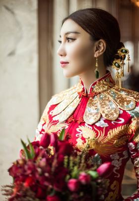 DreamHouse —高定款中式刺绣婚纱礼服