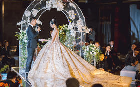 【AK婚纱网红同款】新款拖尾婚纱