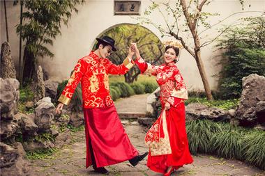 《茜茜公主美学馆》——园林纪复古婚纱照