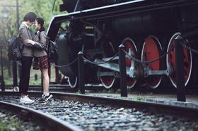 【大视觉摄影】城市旅拍——铁轨旁·学生感怀旧婚纱照