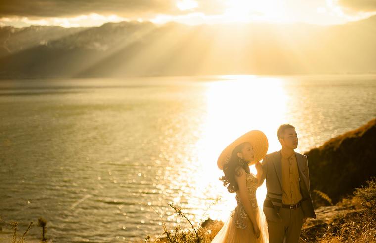 一起夕阳西下--唯美婚纱照 客片欣赏