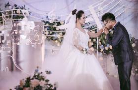 浪漫蓬蓬婚纱礼服——爱你是一件美好的事情