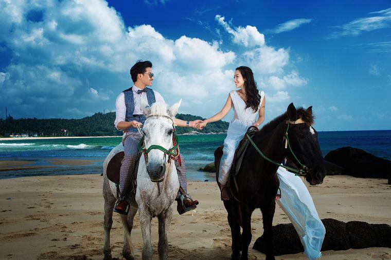 【六月记忆高端摄影】骑马婚纱照