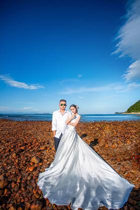 巴黎婚纱摄影旅拍风系列之大鹏古城文艺沙滩婚纱照