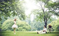 【进部摄影】遇见你之后的日子都是甜的小清新草坪婚纱照
