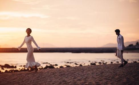 海滩婚纱照
