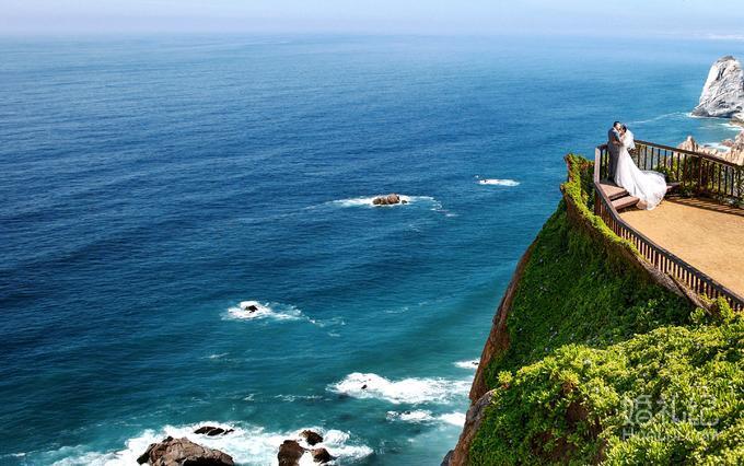 三亚湾+海边沙滩+椰林景+园林景+游泳池+酒店