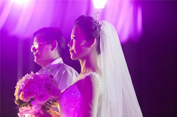 新娘和父親圖