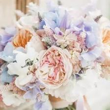 拍婚纱照准备什么鲜花