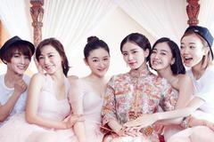 伴娘的礼服  伴娘服的颜色和款式选择
