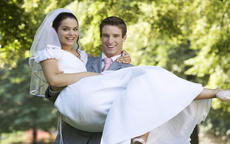 朋友结婚不想去怎么办
