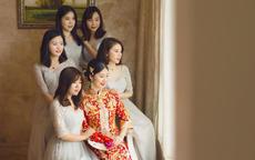 参加婚礼这样穿,优雅低调又美丽
