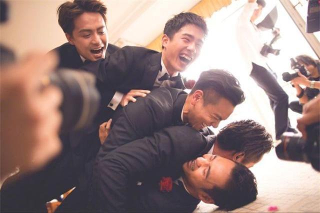 婚礼跟拍新郎摆拍动作 结婚新娘摆拍姿势