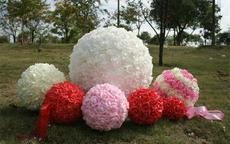 婚庆花球怎么扎 婚庆花球制作方法图解