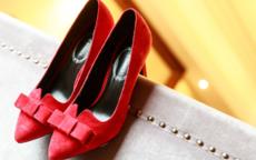 回门鞋子要什么颜色  男女回门鞋子选择