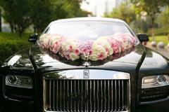 婚礼花车怎么布置