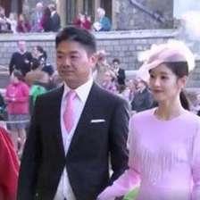 参加婚礼穿黑白可以吗