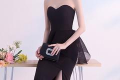 参加婚礼穿黑色礼服可以吗