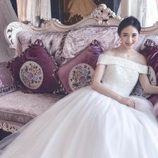 胖新娘怎么挑选婚纱才能不显胖?