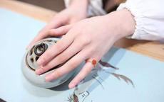 婚戒戴哪只手指 是因为什么原因