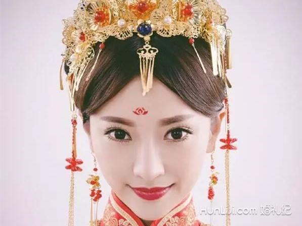 中式秀禾服新娘发型盘点【婚礼纪】