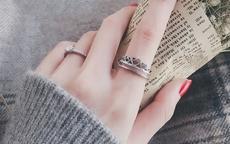 手上带戒指的含义解读