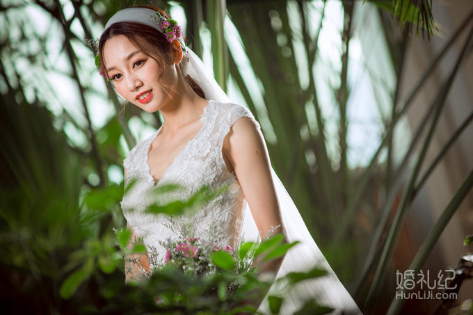 【超值】冬季拍婚纱不再冷 送孕妈写真或天海门票
