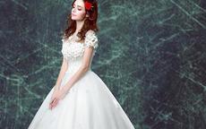租婚纱礼服多少钱一套
