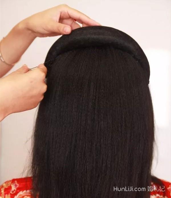 简单的秀禾服发型教程