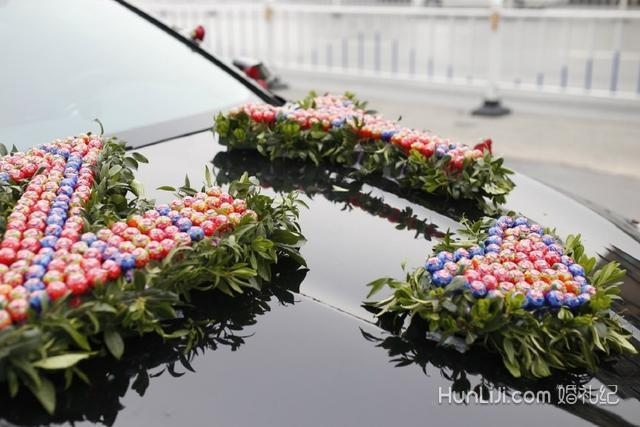 棒棒糖婚车制作方法