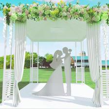 草坪婚礼场地怎么布置