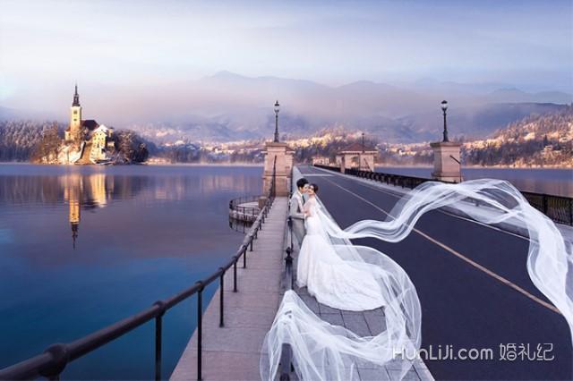 结婚攻略 拍婚纱照 拍摄地点 内容  雕花罗马柱是欧式建筑中很细节的