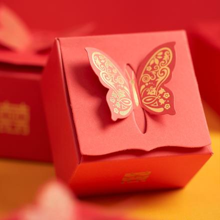 中国风烫金七彩立体蝴蝶喜糖盒