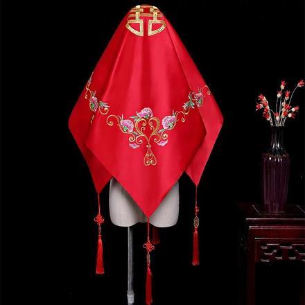 中式花开富贵红盖头