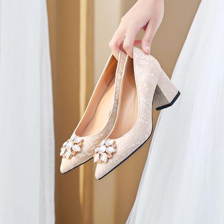 蕾丝刺绣水钻粗跟孕妇婚鞋
