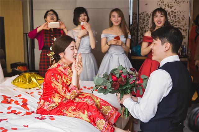 结婚晚上要干什么_结婚第一天晚上要干什么 有趣又好玩的过新婚夜的方式【婚礼纪】