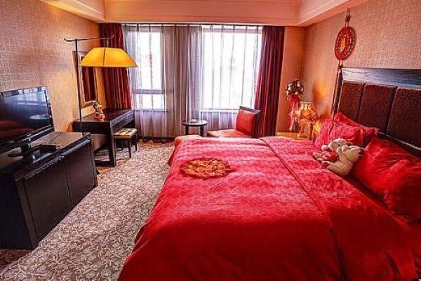 酒店婚房布置