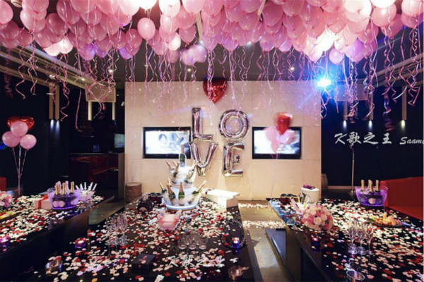 在ktv求婚 求婚现场怎么布置最浪漫图片