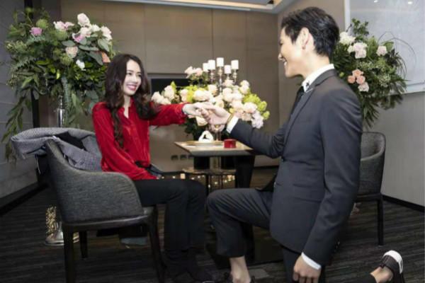 李荣浩成功求婚杨丞琳 明星求婚方式大盘点图片