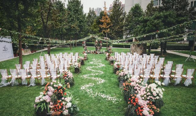 外景草坪婚礼